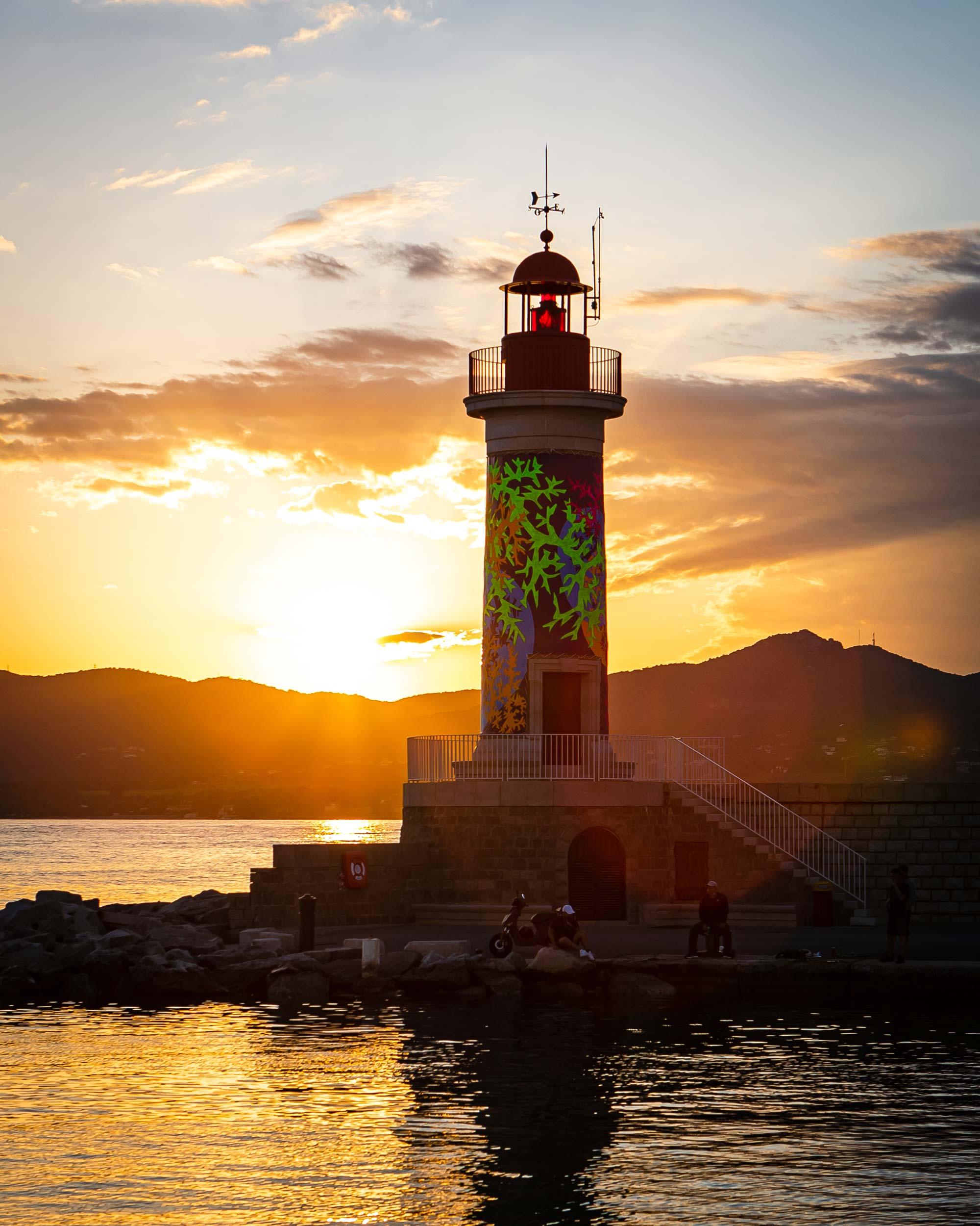 phare rouge saint tropez 2021